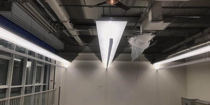 用户看过来,质量这么好的高光铝单板材料,别处找不到