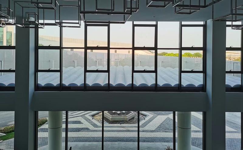宝山区宝武炭材料研究院@白色弧形冲孔铝单板