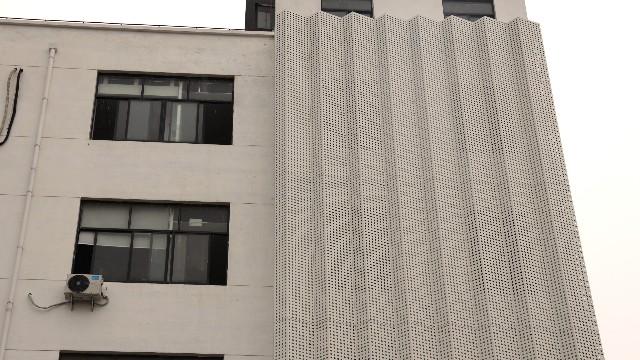嘉松中路氟碳铝单板